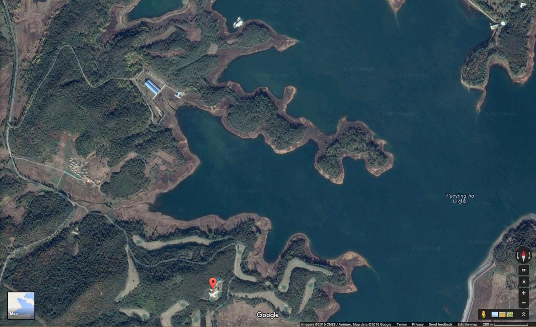kim-jong-un-yacht-lake-taicheng-pyongyang-golf-course