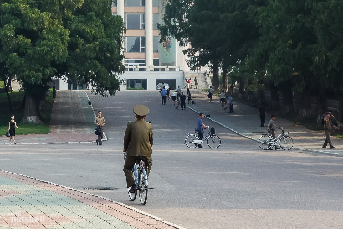 20-pyongyang-military-bicycle