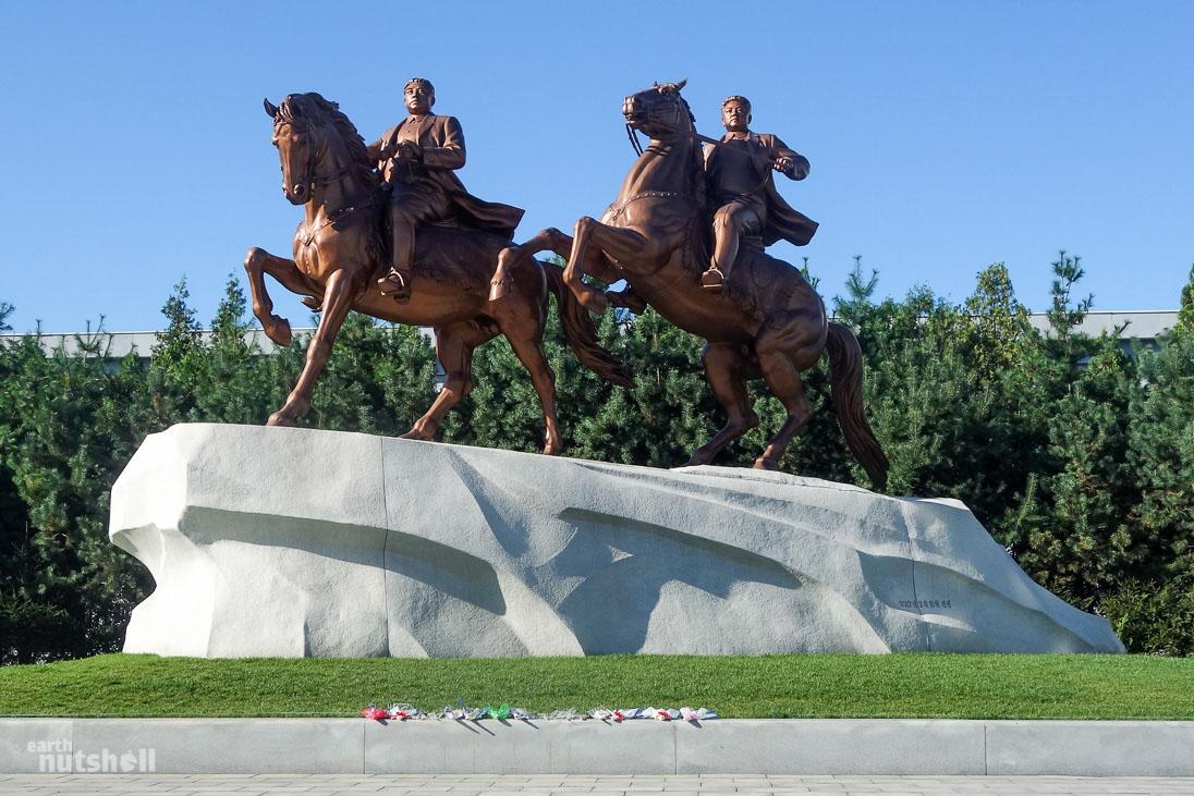 41-mansudae-art-studio-statues