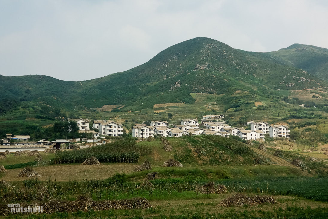 53-north-korean-countryside-housing