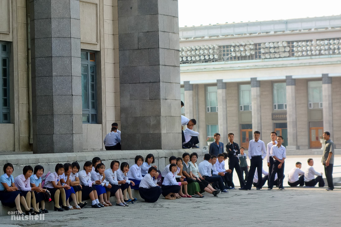 61-kimilsung-square-students