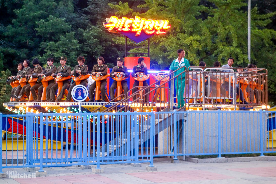 72-pyongyang-funfair-military