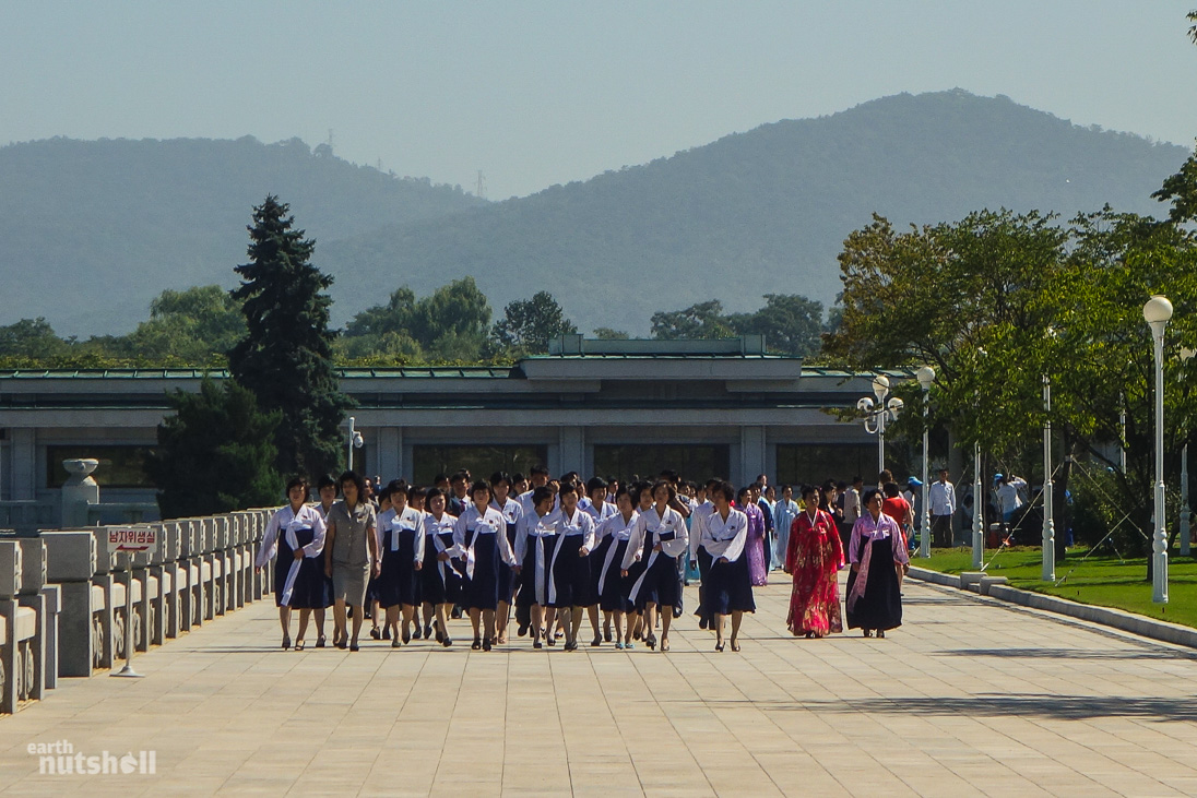 dprk-mausoleum-ladies