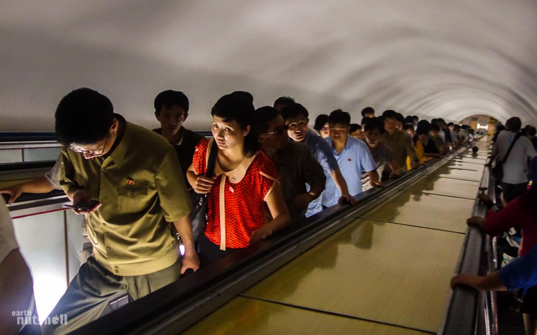 1-pyongyang-metro-escalator