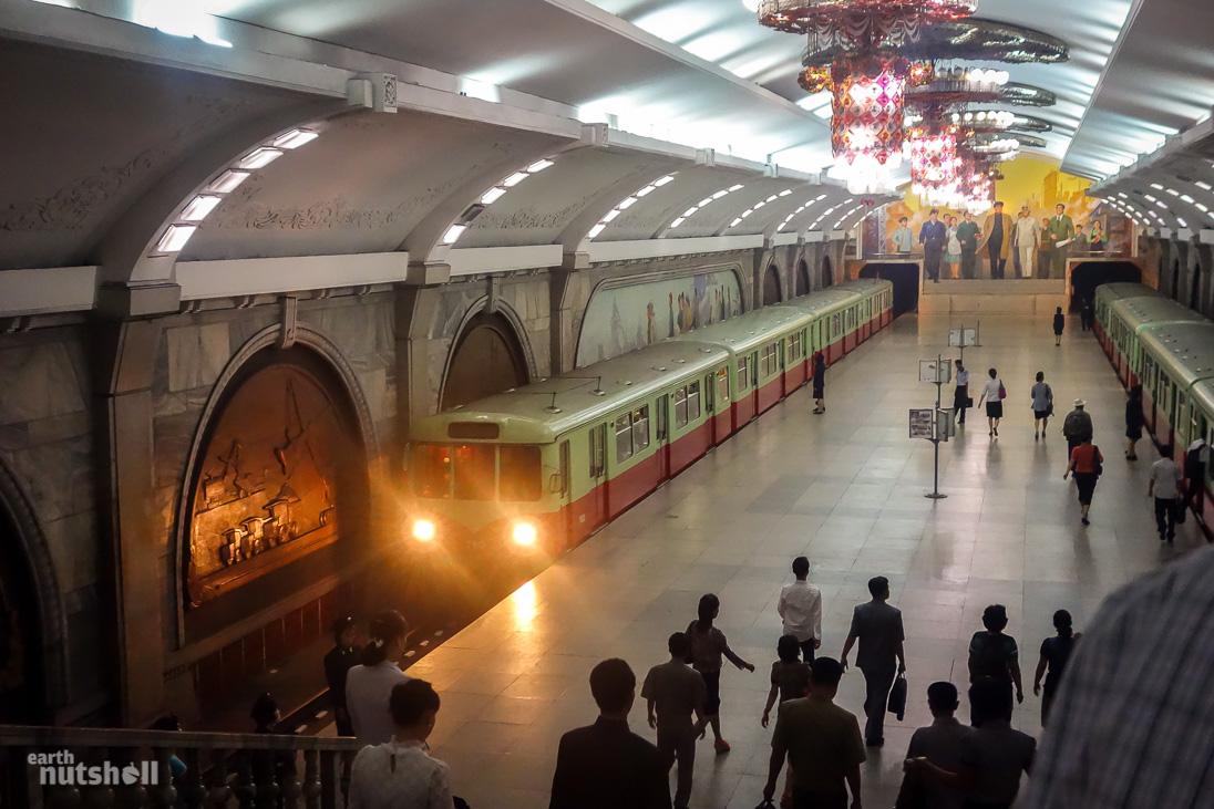 2-pyongyang-metro-puhung-chollima