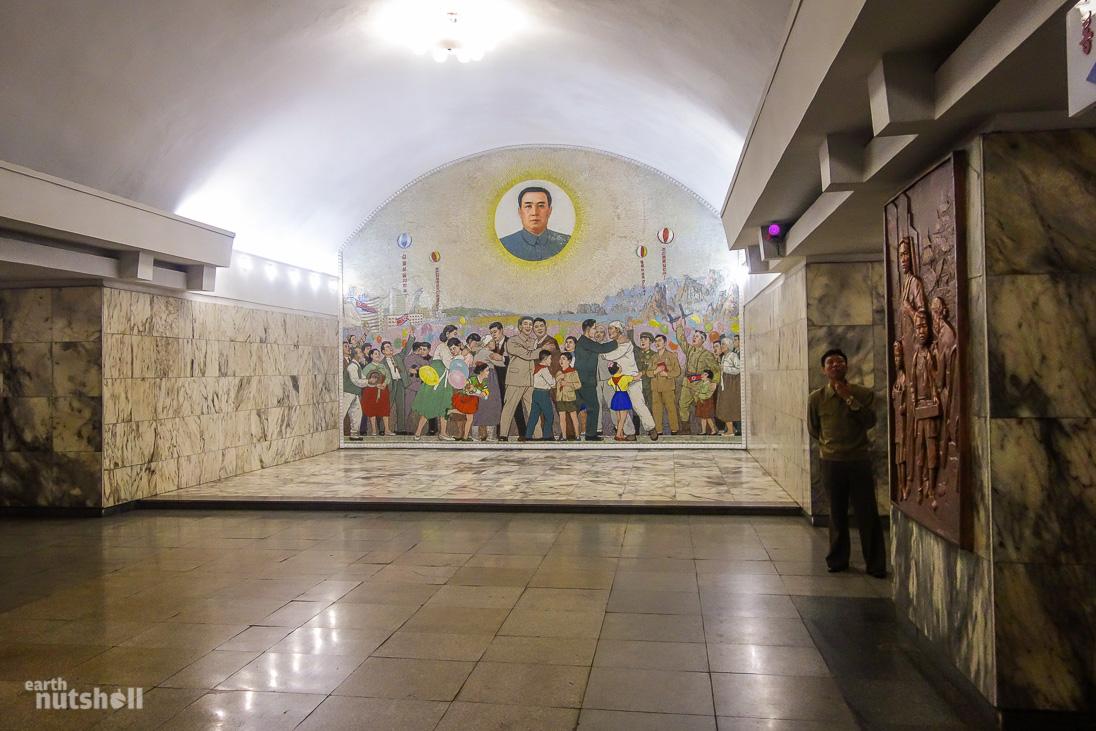 3-pyongyang-metro-tongil-kimilsung