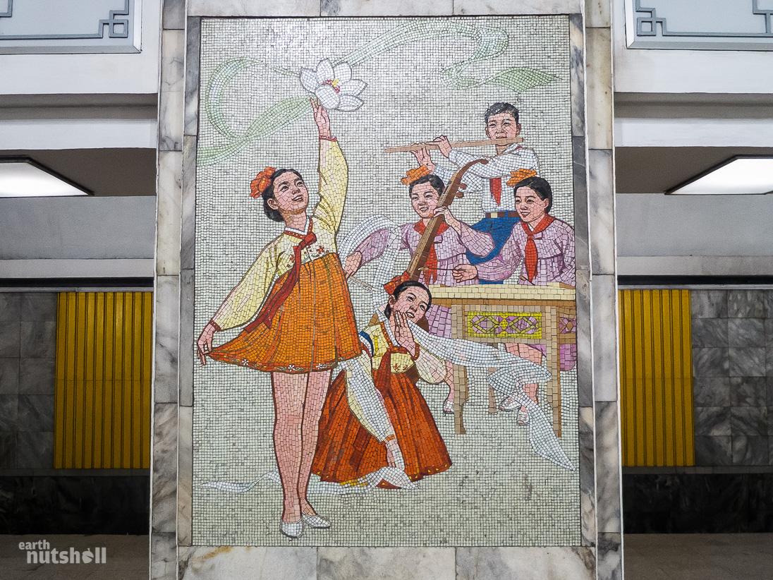 60-pyongyang-metro-mosaic-performance-samhung