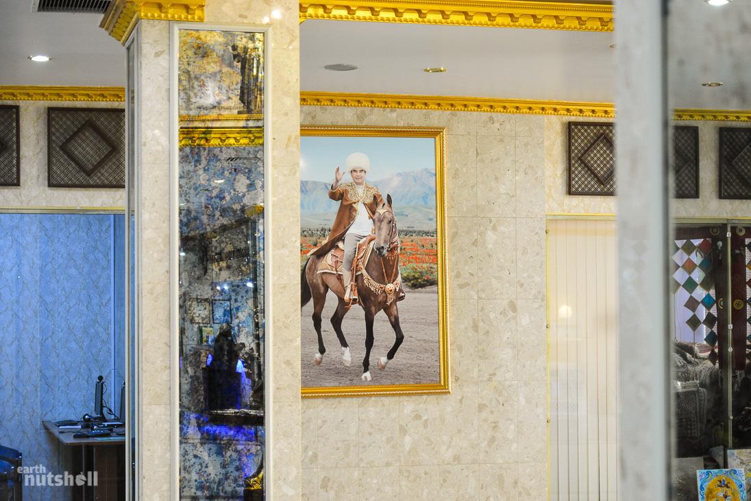 door-to-hell-ak-altyn-president-portrait-horse-turkmenistan