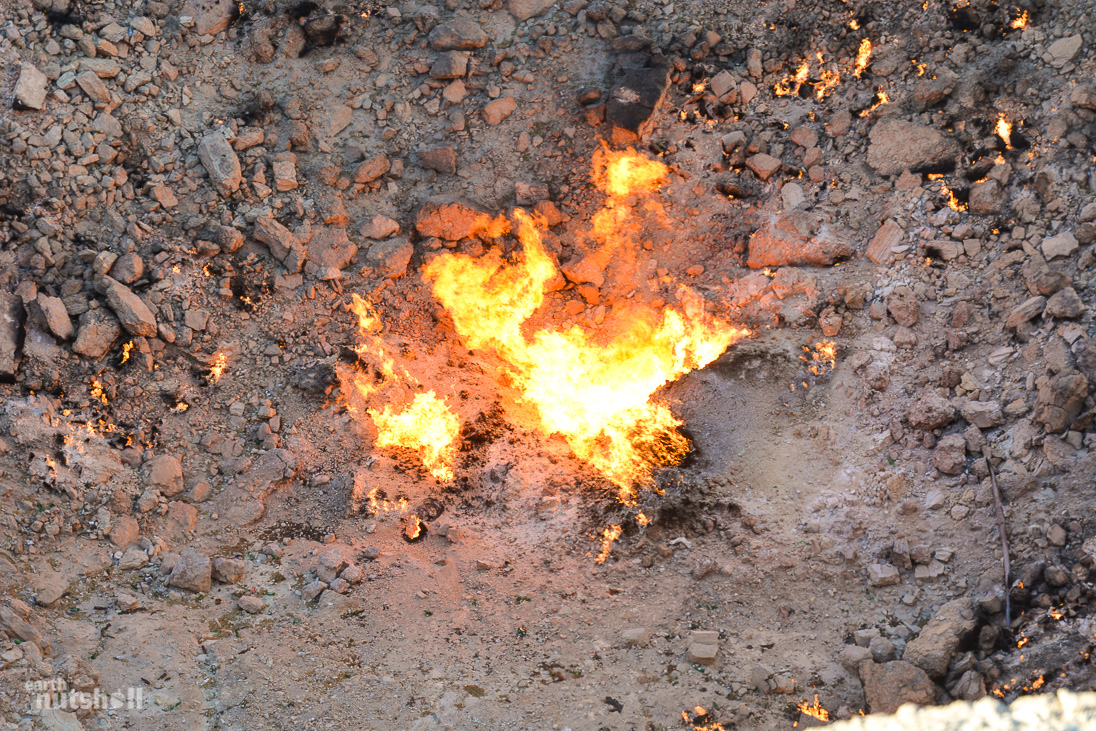 door-to-hell-darvaza-fire-closeup-turkmenistan