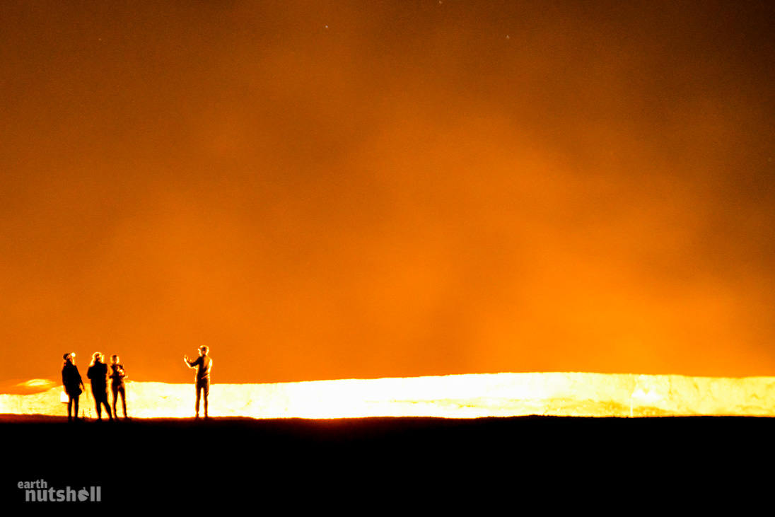 door-to-hell-darvaza-turkmenistan-night-4